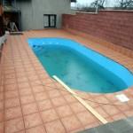 Usazení bazénu, dlažba